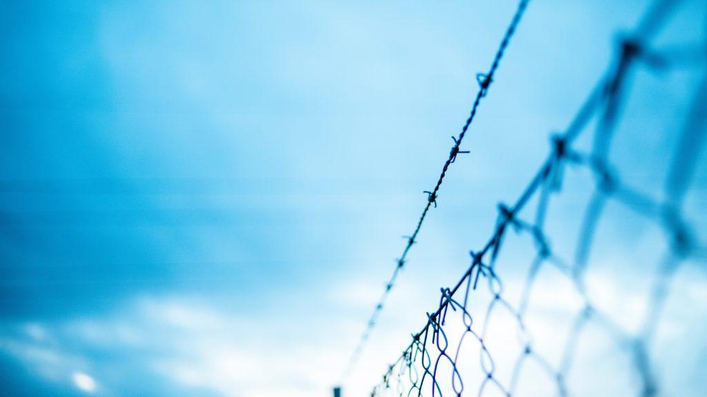 Ein Stacheldraht als Synonym für ein geschätzes Netzwerk